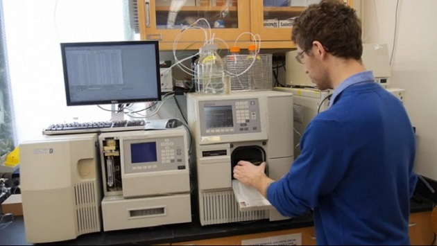 Chemists at SUNY's College of Environmental Science and Forestry MERHAB-LGL lab are leading the way in protecting New York's lakes. Credit G. Boyer, SUNY ESF