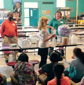 NCCOS Charleston scientists Marie DeLorenzo, Cindy Cooksey, and Joe Wade conduct a water resources lesson for Mt. Zion Elementary School students. Photo credit: Maggie Broadwater.