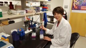 Seatox researcher demonstrates using the ciguatoxin test kit. Credit: NOAA