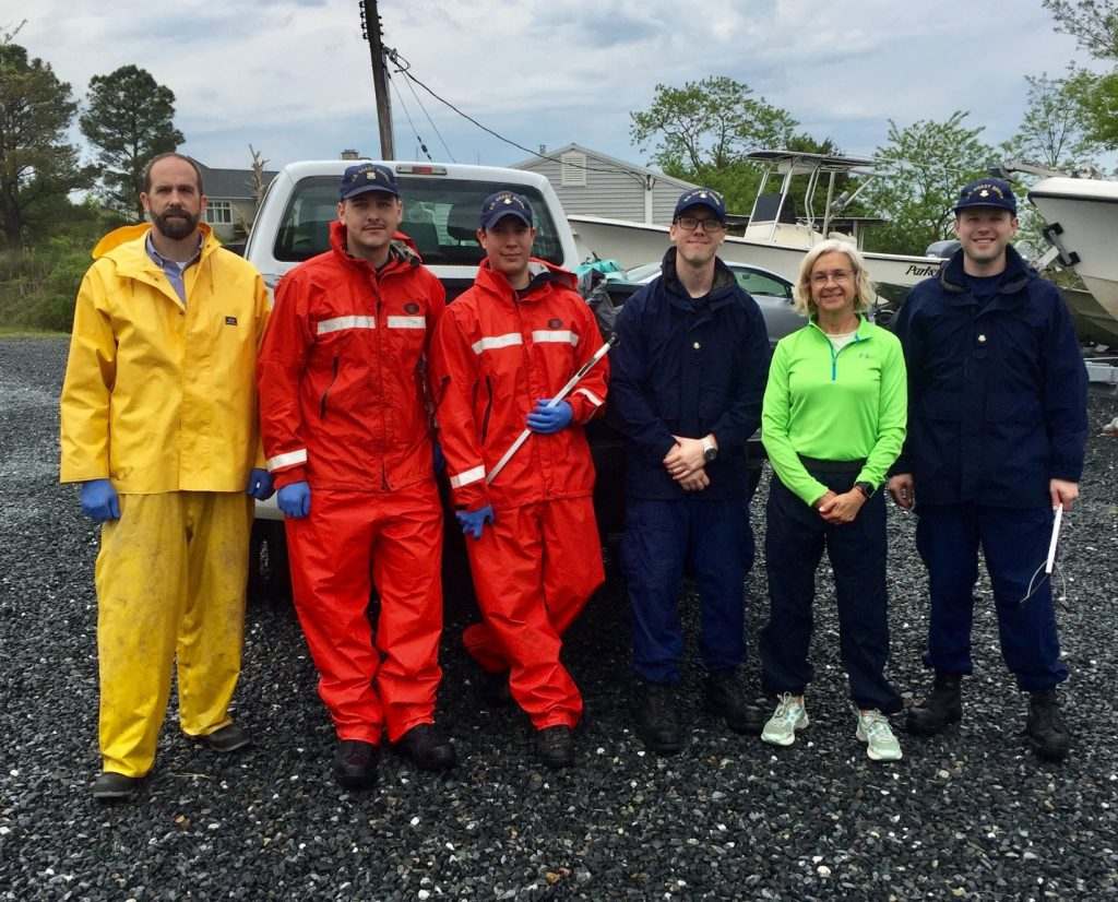 NCCOS, Coast Guard Collaborate in Earth Day Cleanup at Maryland's Oxford Lab